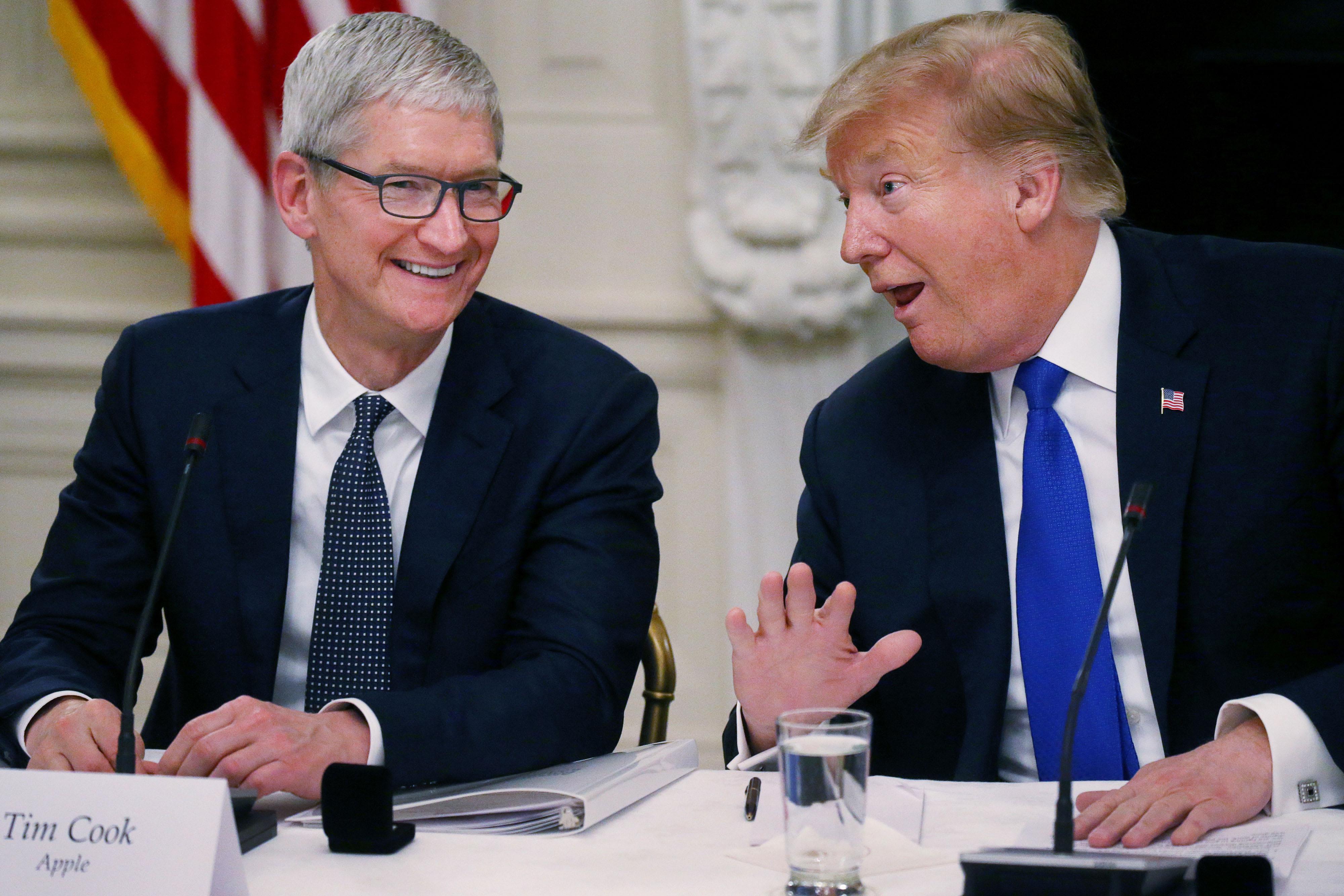 CEO Apple và tổng thống Trump