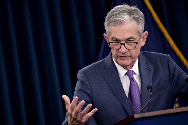Fed hạ lãi suất khẩn cấp