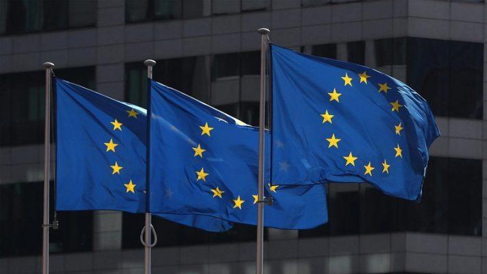Châu Âu thống nhất được gói cứu trợ 500 tỉ euro đối phó COVID-19