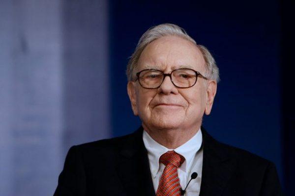 Khi Warren Buffett mua một cổ phiếu, mục đích của ông luôn là nắm giữ trong một khoảng thời gian dài.