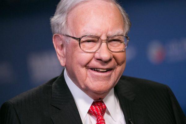 3 bí quyết đầu tư giúp Warren Buffett 'vượt bão' mỗi khi thị trường lao dốc