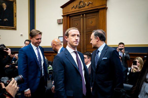 Mark Zuckerberg, CEO của Facebook, trong phiên chất vấn về Libra vào Tháng 10 năm ngoái tại Washington.