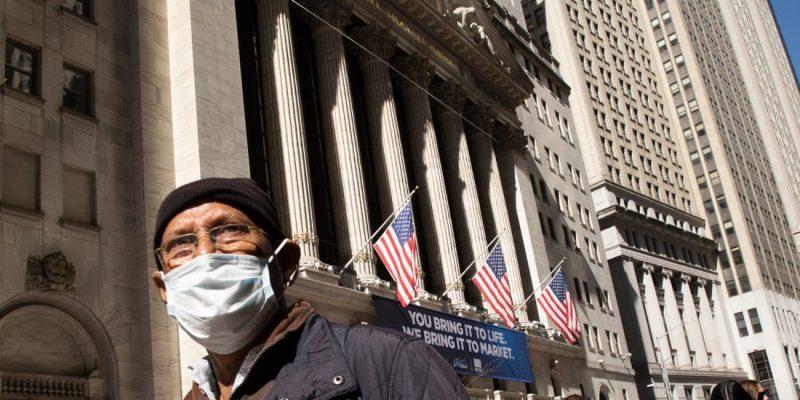 Chỉ số tương lai Dow Jones Futures giảm hơn 200 điểm trong bối cảnh lo ngại việc tái mở cửa nền kinh tế
