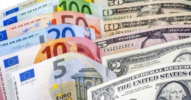 Trong bối cảnh thị trường biến động mạnh do ảnh hưởng của dịch bệnh, đồng USD thậm chí còn có lúc còn tăng 4% so với các rổ tiền tệ lớn khác, trong đó có Euro.