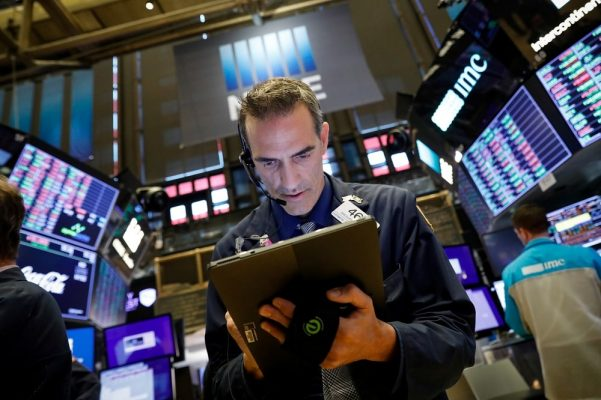 S&P 500 bật tăng trở lại vào Tháng 4 và một số yếu tố thúc đẩy sự lạc quan trong thị trường chứng khoán thế giới