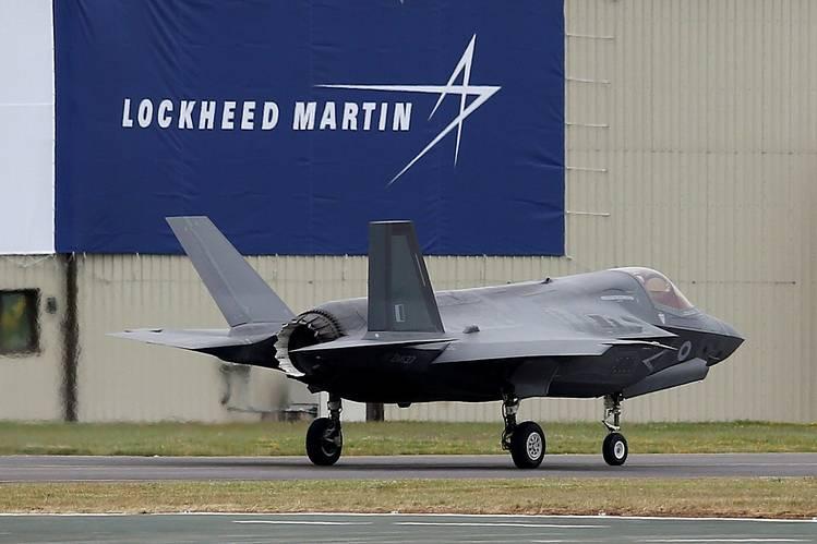 Cổ phiếu Lockheed Martin cho thấy sức mạnh khi gã khổng lồ sản xuất quốc phòng vũ khí hoá công nghệ AI