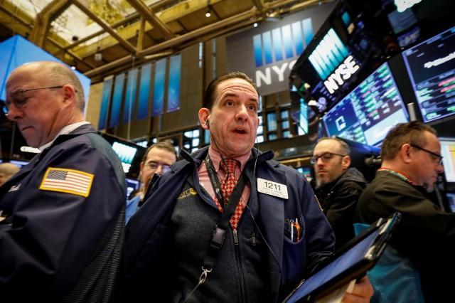 Căng thẳng Mỹ-Trung leo thang, Dow Jones mất đà tăng trong 3 phiên liên tiếp