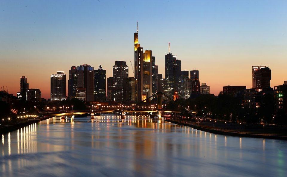 Niềm tin kinh doanh ở Đức bất ngờ giảm